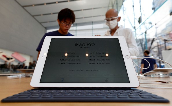 Apple gives iPad Pro 9.7 a spectacular LCD display that keep